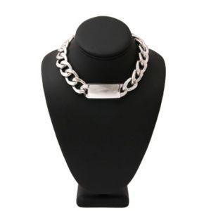 Jewelry - NEW: Silver dog tag choker